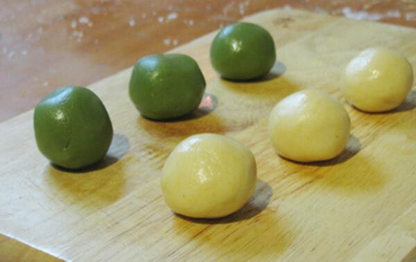 Hướng dẫn cách làm bánh Trung Thu Trà Xanh 4